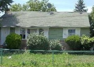 Pre Foreclosure in Hicksville 11801 MYERS AVE - Property ID: 1162098463