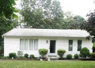 Pre Foreclosure in Moriches 11955 LILLY CT - Property ID: 1162153208