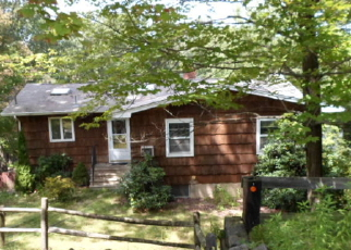 Pre Foreclosure in Hewitt 07421 LAKE SHORE DR - Property ID: 1162820240