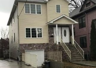 Pre Foreclosure in Staten Island 10310 ELM ST - Property ID: 1163046685