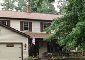 Pre Foreclosure in North Olmsted 44070 WOODSIDE DR - Property ID: 1165079312