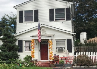 Pre Foreclosure in Hauppauge 11788 ROSE ST - Property ID: 1165190559