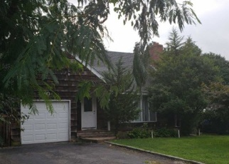 Pre Foreclosure in Huntington Station 11746 4TH AVE - Property ID: 1165193183