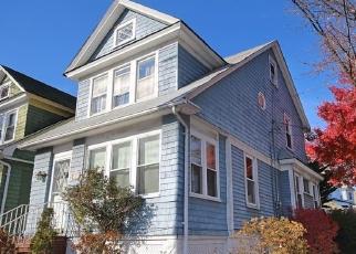 Pre Foreclosure in Staten Island 10302 HEBERTON AVE - Property ID: 1167913896