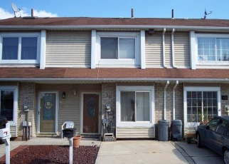 Pre Foreclosure in Staten Island 10303 DOREEN DR - Property ID: 1168037387