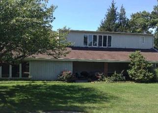 Pre Foreclosure in Farmingville 11738 LYNWOOD AVE - Property ID: 1168208197