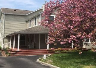 Pre Foreclosure in East Islip 11730 1ST AVE - Property ID: 1168242363