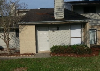 Pre Foreclosure in Jacksonville 32257 CROWN POINT RD - Property ID: 1168339151