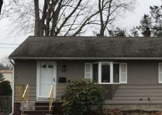 Pre Foreclosure in Pompton Lakes 07442 PINE ST - Property ID: 1168811286