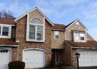 Pre Foreclosure in Saugerties 12477 COTTONWOOD CIR - Property ID: 1169170432