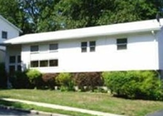 Pre Foreclosure in Hyde Park 02136 DIETZ RD - Property ID: 1169213348