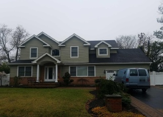 Pre Foreclosure in Lake Grove 11755 STERLING DR - Property ID: 1169850160