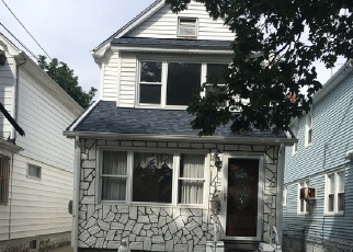 Pre Foreclosure in Queens Village 11428 214TH PL - Property ID: 1170892548