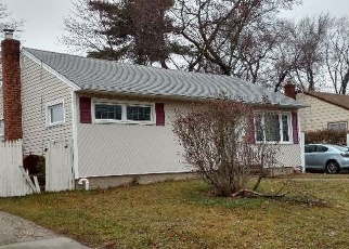 Pre Foreclosure in Amityville 11701 ALBANY AVE - Property ID: 1170946863