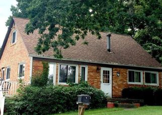 Pre Foreclosure in Coraopolis 15108 FOXWOOD RD - Property ID: 1171193885