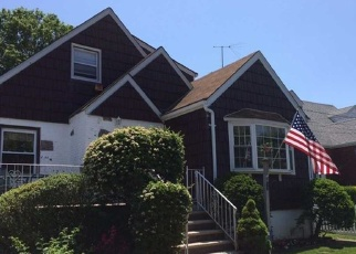 Pre Foreclosure in Oceanside 11572 MERRIFIELD AVE - Property ID: 1172140329