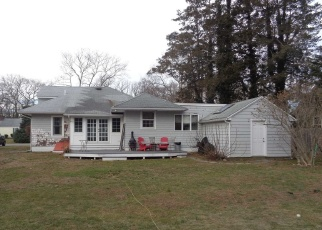 Pre Foreclosure in Brightwaters 11718 MANATUCK BLVD - Property ID: 1172496852