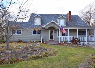 Pre Foreclosure in Bayport 11705 OAKWOOD AVE - Property ID: 1172871310