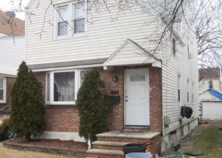 Pre Foreclosure in Queens Village 11427 210TH ST - Property ID: 1175045414