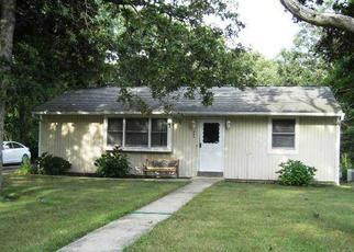Pre Foreclosure in Bohemia 11716 WALNUT AVE - Property ID: 1175125567