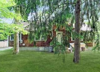 Pre Foreclosure in Centereach 11720 HAMMOND LN - Property ID: 1175137840