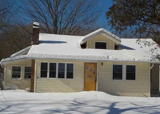 Pre Foreclosure in Saugerties 12477 BLUE MOUNTAIN RD - Property ID: 1175542962