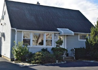 Pre Foreclosure in Oceanside 11572 EVANS AVE - Property ID: 1175758879