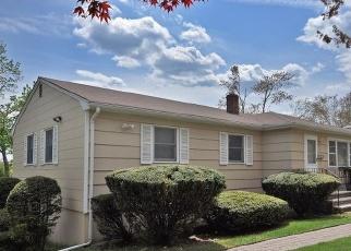 Pre Foreclosure in Livingston 07039 HILLSIDE AVE - Property ID: 1176422406