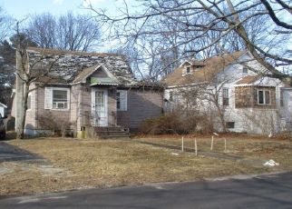 Pre Foreclosure in Brentwood 11717 EVERGREEN AVE - Property ID: 1178330214