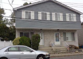 Pre Foreclosure in Staten Island 10312 VANESSA LN - Property ID: 1178966599