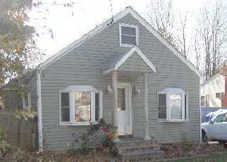 Pre Foreclosure in Islandia 11749 HANCOCK ST - Property ID: 1180440827