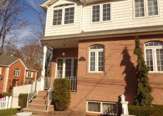 Pre Foreclosure in Staten Island 10309 HARRIS LN - Property ID: 1180560384