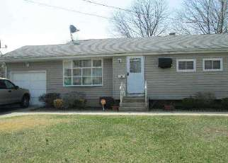 Pre Foreclosure in Brentwood 11717 RUTLEDGE ST - Property ID: 1180851193