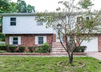 Pre Foreclosure in Amityville 11701 THE BLVD - Property ID: 1180935286