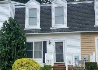 Pre Foreclosure in Amityville 11701 MERRICK RD - Property ID: 1181958395