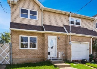Pre Foreclosure in Staten Island 10306 MILTON AVE - Property ID: 1182072263