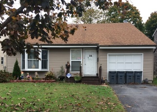 Pre Foreclosure in Melville 11747 FLANDERS AVE - Property ID: 1182481784