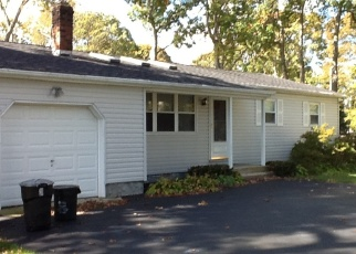 Pre Foreclosure in Shirley 11967 HESTON RD - Property ID: 1182936841