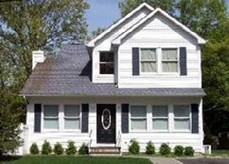 Pre Foreclosure in Centereach 11720 ONEIDA AVE - Property ID: 1183757601