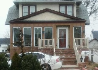 Pre Foreclosure in Freeport 11520 WESTSIDE AVE - Property ID: 1183839496