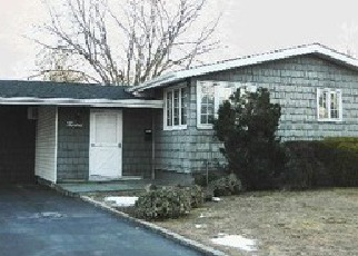 Pre Foreclosure in Smithtown 11787 SANDALWOOD DR - Property ID: 1184424181