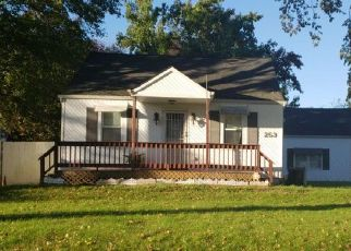 Pre Foreclosure in Brentwood 11717 PETERSON ST - Property ID: 1185199406