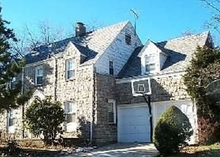 Pre Foreclosure in Freeport 11520 N BROOKSIDE AVE - Property ID: 1185267286