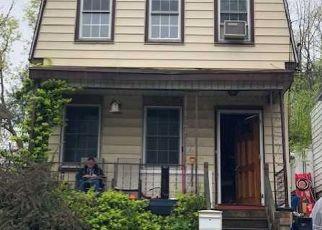 Pre Foreclosure in Staten Island 10304 CENTRE AVE - Property ID: 1185284820