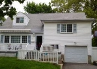 Pre Foreclosure in Huntington Station 11746 W 22ND ST - Property ID: 1185572110