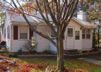 Pre Foreclosure in Rockaway 07866 SENECA AVE - Property ID: 1186283392