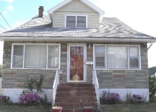 Pre Foreclosure in Valley Stream 11581 BISMARK AVE - Property ID: 1186868974