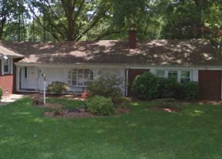 Pre Foreclosure in Newport News 23606 BEVERLY HILLS DR - Property ID: 1187613518