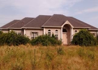 Pre Foreclosure in Portsmouth 02871 WAPPING RD - Property ID: 1188752245