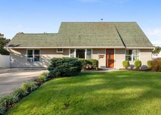 Pre Foreclosure in Levittown 19057 QUAKEROAK RD - Property ID: 1189653155